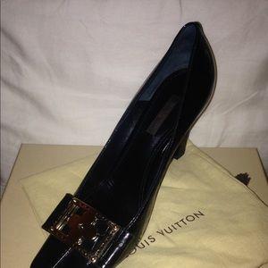 LV Classic Black patent shoe-gently worn-Sz. 38